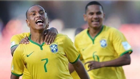 Наполи близок к подписанию 18-летнего бразильского форварда