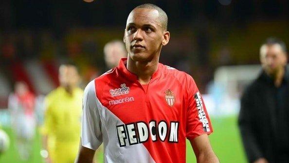 Фабиньо ведёт переговоры с Барселоной, Арсеналом МЮ и МС