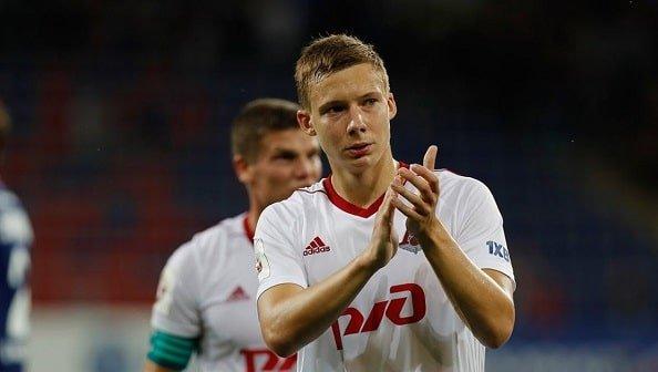 Защитник Локомотива Лысов получил травму